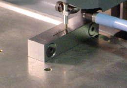 Item 540: razor blade vise for checking stylus tip size